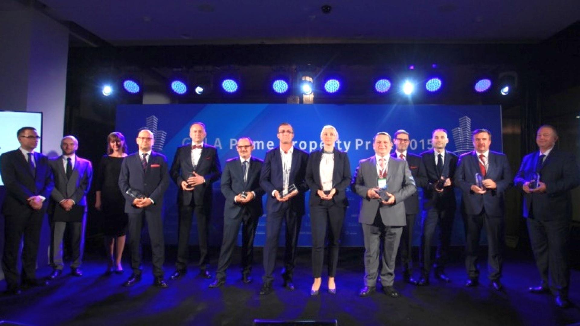 Konkurs Prime Property Prize 2015 ma za zadanie wyłonić  firmy oraz projekty, które w ostatnim roku miały największy  wpływ na wydarzenia na rynku nieruchomości komercyjnych, a  także osobistości, których spektakularne działania odegrały  kluczową rolę w rozwoju całej branży.  Uroczysta Gala  wręczenia nagród Prime Property Prize 2015, odbyła się w  Domu Mody VitKac. Fot. PTWP