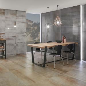 Płytki z kolekcji Metallic Illusion imitują beton z efektem... rdzewiejącej stali. Wspaniale pasują do wnętrz w stylu vintage i loft. Fot. Villeroy&Boch.