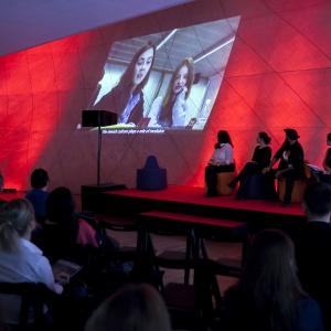 Multimedialna instalacja nawiązywała do tematów poruszonych w pierwszym wydaniu magazynu HUMAN. Fot. Piotr Król.