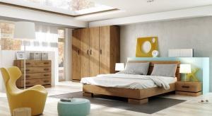 Wygodne łóżko sprawia, że sypialnia staje się miejscem relaksu i słodkiego lenistwa. Zebraliśmy propozycje, których cena nie przekracza 1.500 zł.