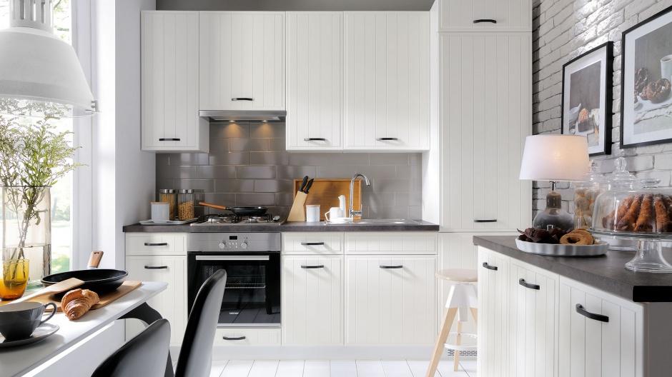 Meble kuchenne Domin z Biała klasyczna kuchnia 5