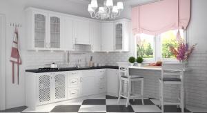 Kuchnia w stylu klasycznym jest przytulna, elegancka i ponadczasowa. Zwłaszcza jeśli wykończymy ją w bieli.