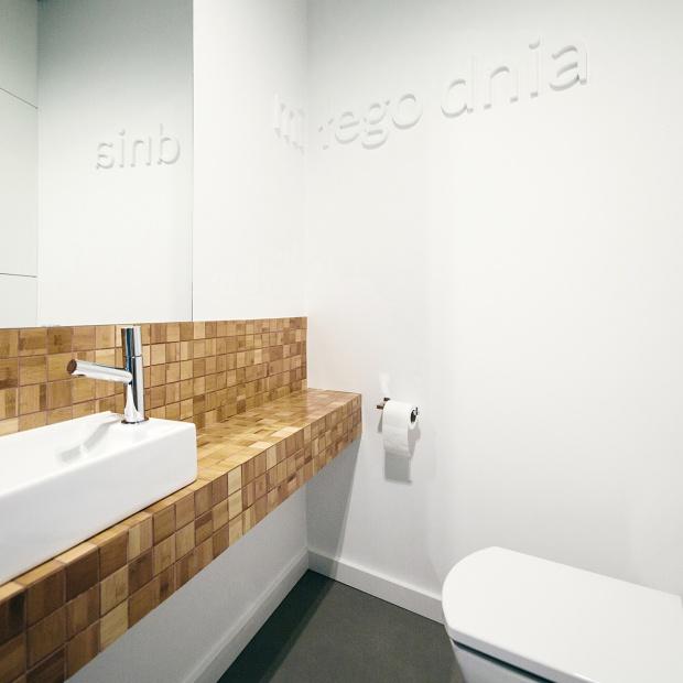 Zobacz 13 pięknych łazienek z nutą stylu skandynawskiego
