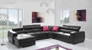 Komfortowy i funkcjonalny mebel z przeznaczeniem do użytku mieszkalnego. Posiada bardzo wygodną funkcje spania oraz pojemniki na pościel.
