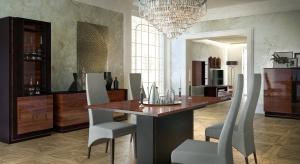 Elegante to meble o wyjątkowym wzornictwie przeznaczone do salonu i jadalni. Meble dostarczane są do klienta w całości i nie wymagają montażu.