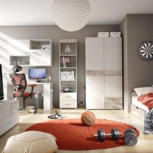 Kolekcja Jump. Pojemne szafki ułatwią zachowanie porządku w mieszkaniu, a oryginalny wygląd nada wnętrzu szczególnego, wyjątkowego charakteru. Fot. FM Bravo.