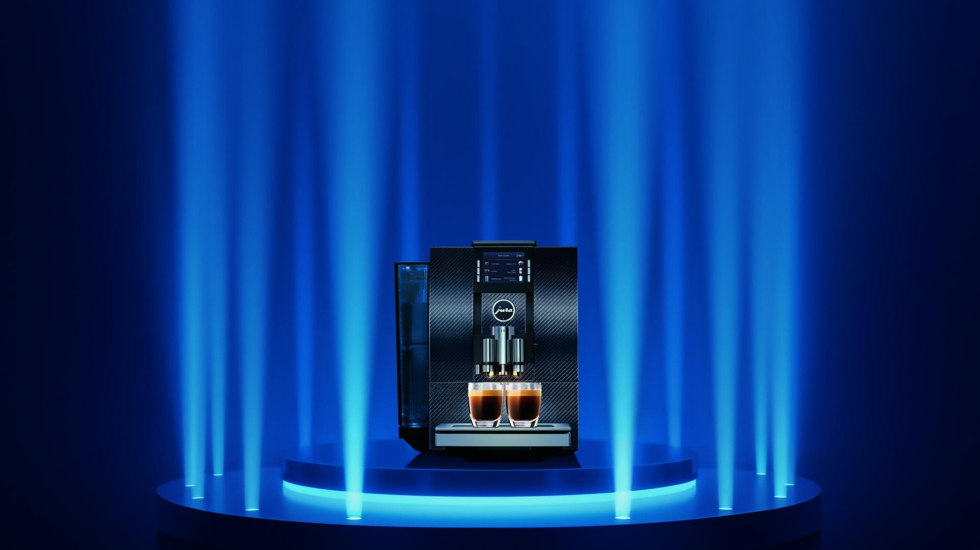 JURA stała się synonimem doświadczenia idealnej kawy. Zaprojektowane  i skonstruowane w Szwajcarii automatyczne ekspresy do kawy JURA pozwalają przygotować wyrafinowane napoje kawowe, które zaspokoją rozmaite gusta. Poprzez inteligentne korzystanie z technologii JURA tworzy supernowoczesne produkty, m.in. pod względem oszczędzania energii. Fot. Jura.
