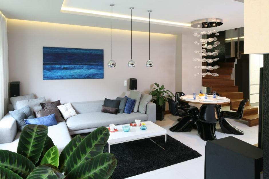 W eleganckim wn trzu 12 pomys w na o wietlenie w for Oswietlenie w salonie
