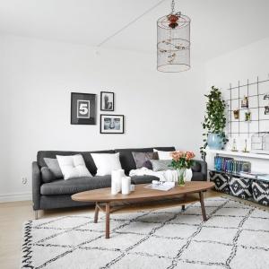 Małe, jasne mieszkanie w skandynawskim stylu