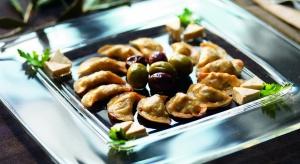 Pierogi z kapustą, mięsem... a może z tofu i oliwkami? Poznajcie przepis na pyszne, wegetariańskie pierożki Panzarotti.