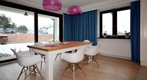 Właścicielom domu w okolicach Łodzi marzyło się wnętrze w stylu angielskim: przytulne i domowe. Architekt spełniła ich oczekiwania.