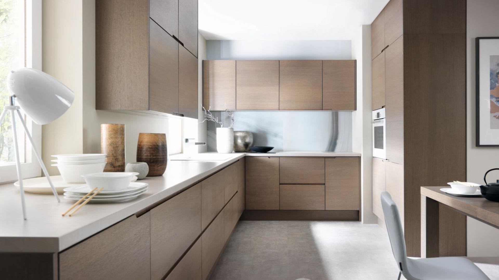 Przytulna kuchnia utrzymana Kuchnia w kolorze drewna
