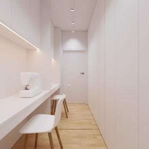 W mieszkaniu udało się wygospodarować niewielką przestrzeń do pracy. Projekt i wizualizacje: 081 Architekci.