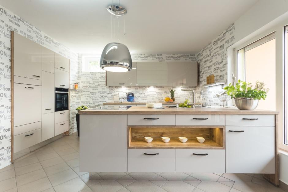Białe fronty lakierowane na Modna kuchnia wybierz  -> Kuchnia Polysk Kawa Z Mlekiem