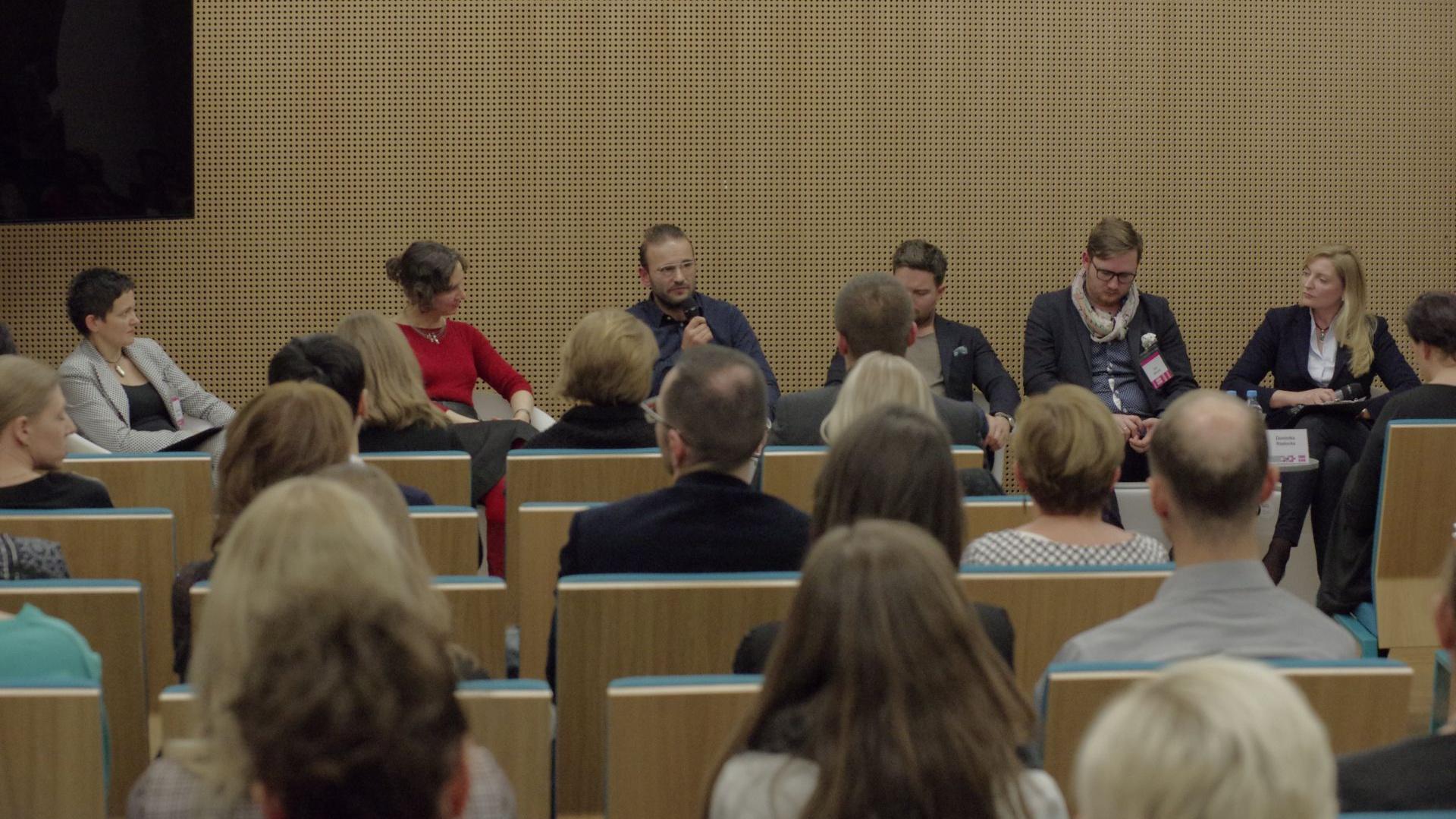 Panel dyskusyjny zatytułowany