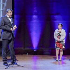 Nagrodę w kategorii podłogi i ściany odebrał Arkadiusz Tecław, prezes zarządu Grupy Paradyż. Fot. Piotr Waniorek.