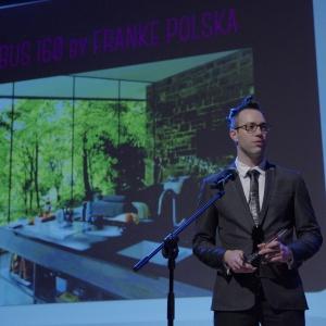 Nagrodę w kategorii przestrzeń kuchni i jadalni odebrał Rafał Derecki - produkt manager z firmy Franke. Fot. Piotr Waniorek.