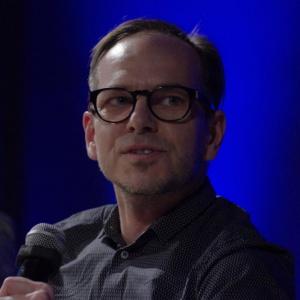 Żywotność mebli jest dłuższa niż technologii - powiedział podczas panelu Mikołaj Wierszyłłowski. Fot. Piotr Waniorek.