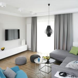 Małe mieszkanie dla dwojga: wnętrze w szarościach