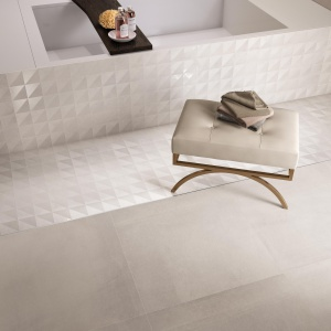 Biel z efektem 3D - płytki ceramiczne All Over firmy Supergres. Fot. Supergres.