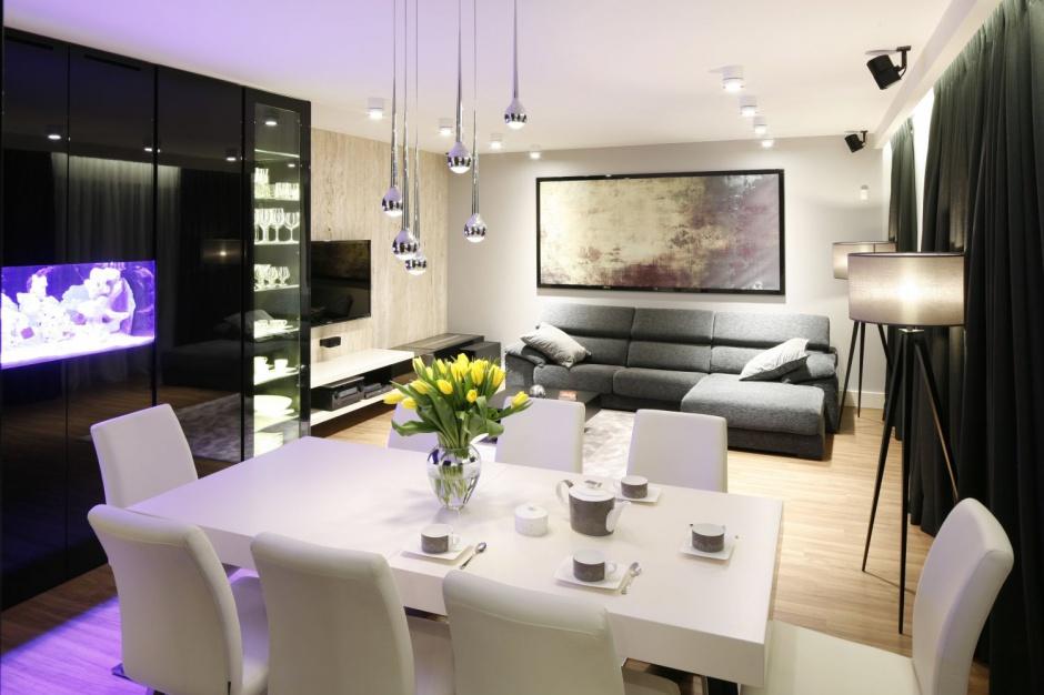 Elegancki salon urządzono w Salon z kuchnią i jadalnią Najpiękniejsze r   -> Aranżacja Kuchnia Jadalnia Salon