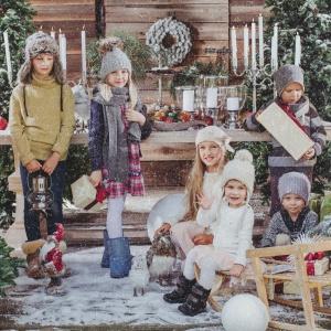 Kolekcja Santa przywodzi na myśl czas zabawy, czytania bajek i odkrywania prezentów pod choinką. Fot. AD Living Home.