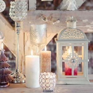 Świece, lampiony i świeczniki z oferty marki Home&You. Fot. Home&You.