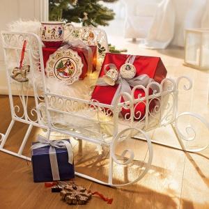 W kolekcji Christmas Toy Memory marka Villeroy&Boch stawia na baśnie! W tym roku motywem przewodnim kolekcji jest Królewna Śnieżka i siedmiu krasnoludków. Fot. Villeroy&Boch.