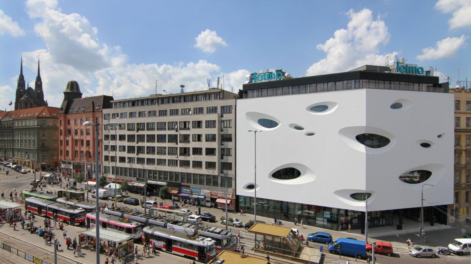 Centrum handlowe Letmo w Brnie. Fot. Sto/Letmo
