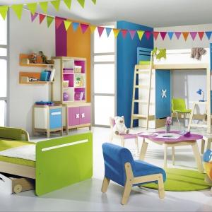 Kolekcja dziecięca Simple to bogactwo soczystych kolorów w modnych, nowoczesnych bryłach. Dzięki tym meblom pokój dziecka będzie barwny i wesoły. Fot Timoore.