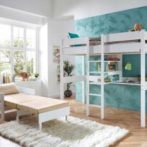 Klasyczne łóżko na antresoli to doskonałe rozwiązanie do mniejszego pokoju. Biurko umieszczone pod materacem pozwoli zaoszczędzić miejsce. Fot. Seart.