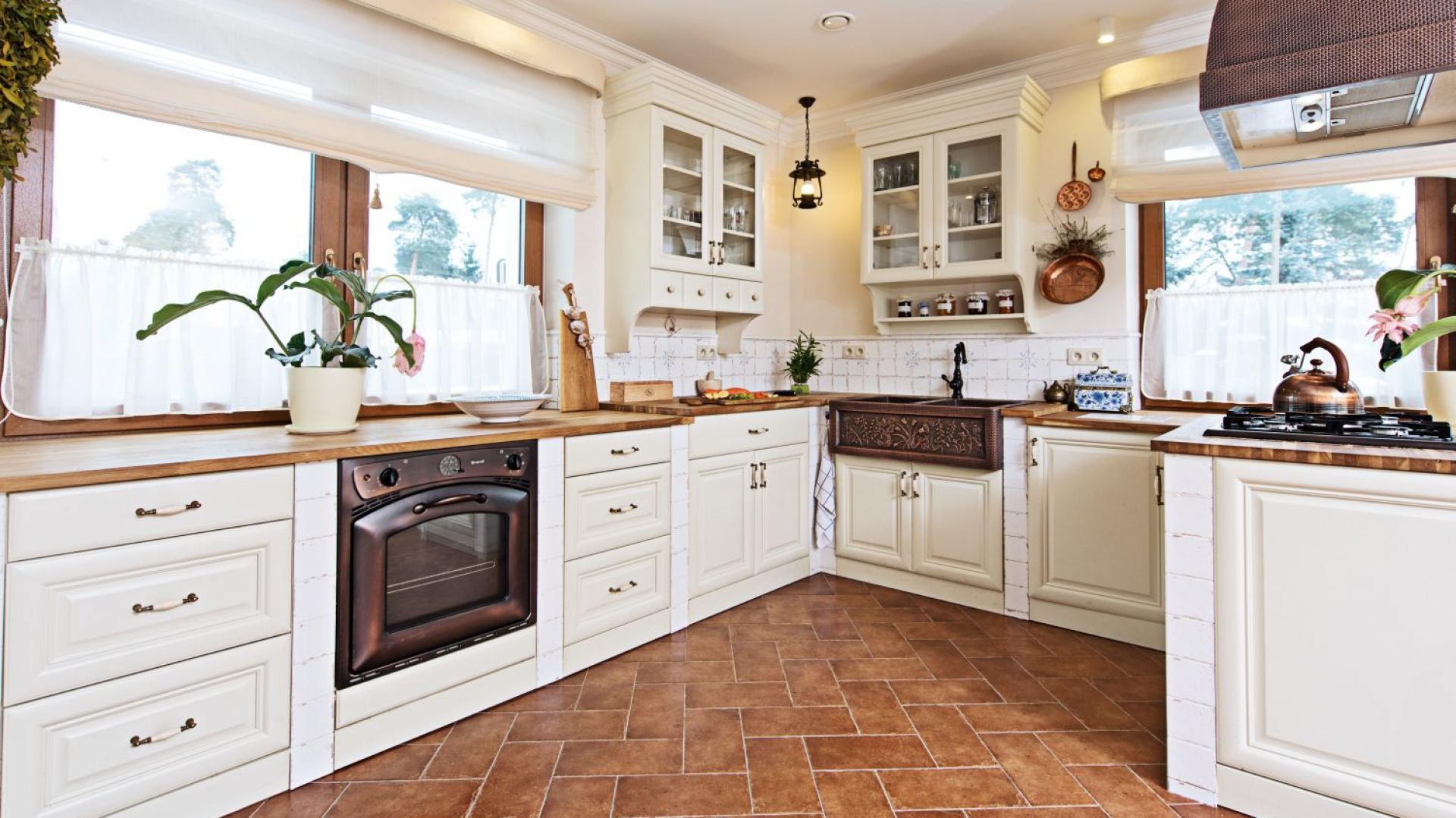 Zaprojektowana w Klasyczna kuchnia w stylu   -> Kuchnia Prowansalska Projekt