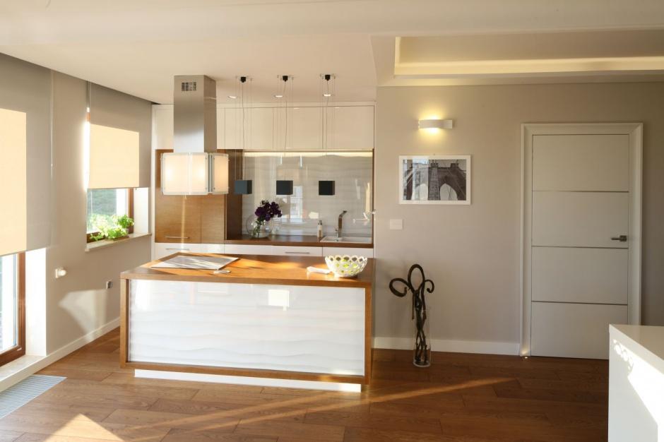 Zabudowę na jedną ścianę Mała kuchnia w bloku 12   -> Mala Kuchnia Aranżacja Wnetrza