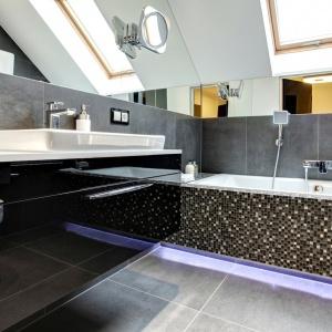 Łazienka czarno biała – zobacz 15 oryginalnych projektów