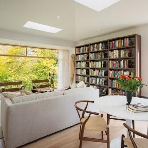 Jasne wnętrze: zobacz elegancki dom