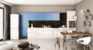 Choć lubujemy się w bieli, beżach i brązach, kolorowe kuchnie stają się coraz modniejsze. Zobaczcie 12pięknych zdjęć kuchni z niebieskim akcentem.
