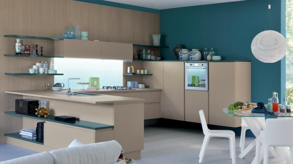 Model kuchni ExtraGo z  15 sposobów na kuchnię w kolorze kawy z