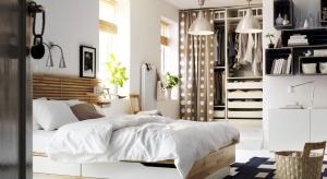 Praktyczne łóżka, w których schowasz pościel, ustawisz książki i wiele innych rzeczy. Przydatne zarówno w małej, jak i dużej sypialni.