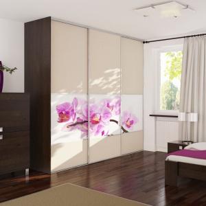 Garderoba w stylu klasycznym świetnie sprawdzi się we wnętrzu utrzymanym w tradycyjnym stylu. Fot. Komandor.