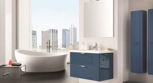 Lubimy kolor błękitny bo jest jest optymistyczny, jak żaden inny. W łazience najmodniej go mieć na meblach, ale jako akcent, połączony z bielą, drewnem lub szarością.