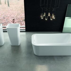 Ze stali emaliowanej – umywalki podłogowe Meisterstueck firmy Kaldewei. Fot. Kaldewei.