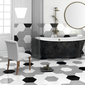 Wzorzysta podłoga w sześciokątny wzór - płytki ceramiczne Chess firmy Goldencer. Fot. Goldencer.