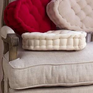 Poduszki w kształcie serca. Fot. Blanc MariClò.