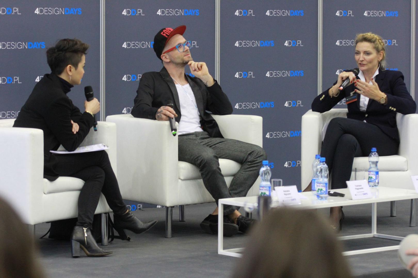 Architekci Dominika Rostocka (od prawej) i Tomasz Pągowski oraz prowadząca panel
