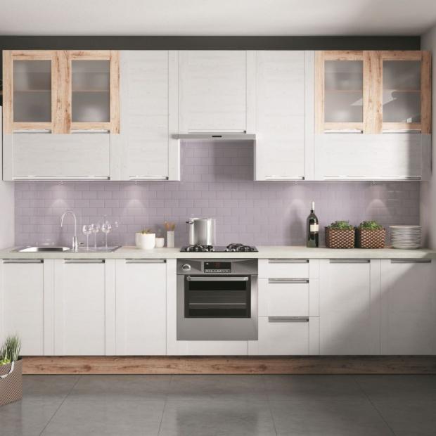 Meble na jedną ścianę: 5 pomysłów na aneks kuchenny