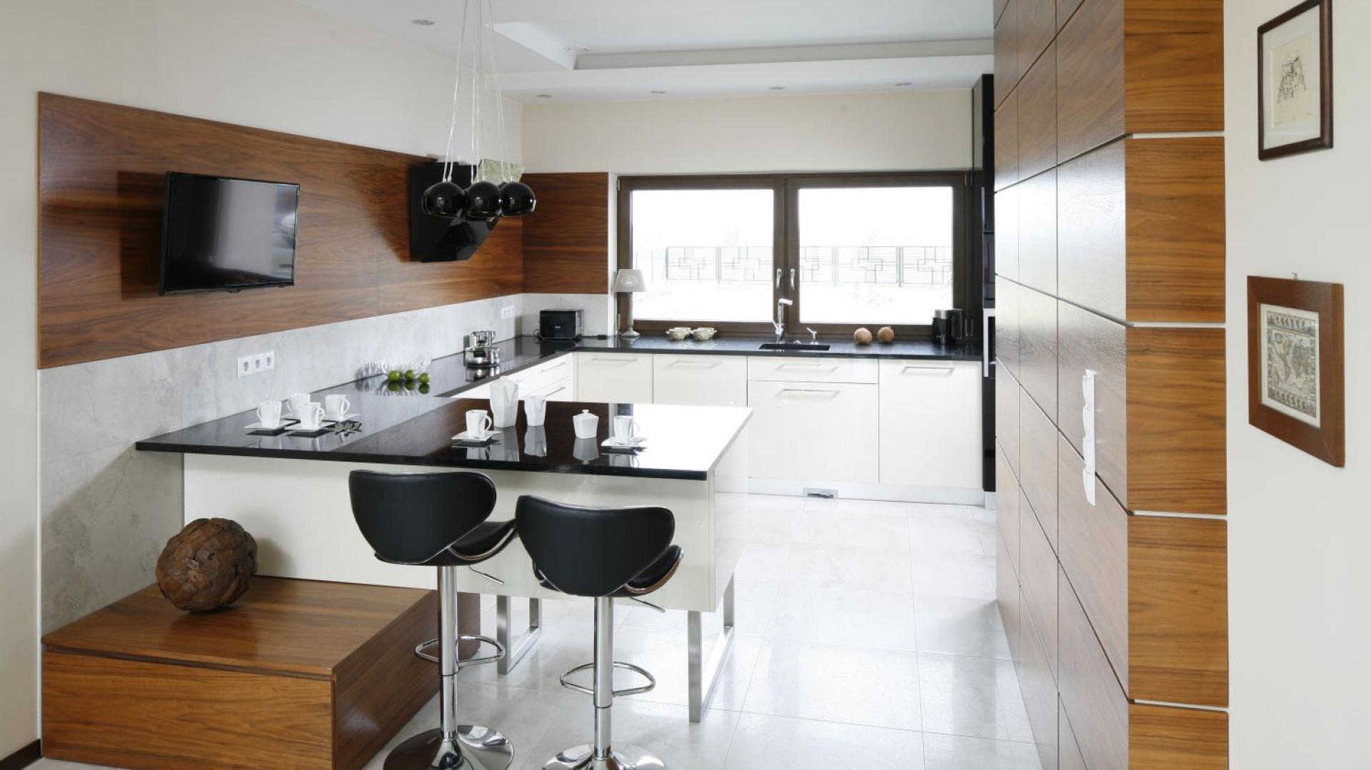 Kuchnia z półwyspem, nad Telewizor w kuchni 10   -> Mala Kuchnia Zdjecia