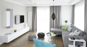 Wiosna to doskonały czas, by pomyśleć o remoncie mieszkania. Szukacie inspiracji? Zobaczcie 15 pomysłów na odświeżenie salonu w bloku.