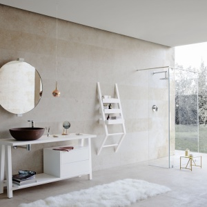 Harmonia, wyciszenie, prostota – łazienka z wyposażeniem łazienkowym Terra firmy Graff. Fot. Graff.