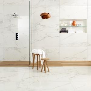Stylizacja białego marmuru - płytki ceramiczne firmy Caesar. Fot. Caesar