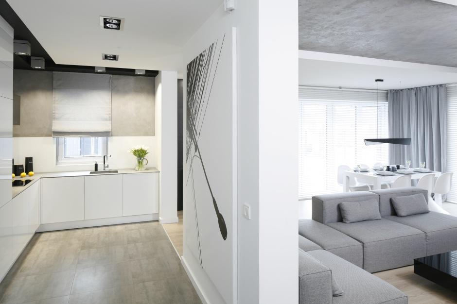 Z  betonową  ścianą Modna kuchnia postaw na beton